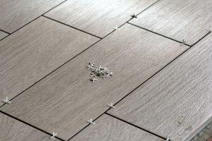 Comment entretenir les joints de la céramique de mon plancher ?