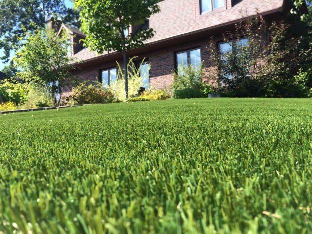 Pourquoi la pelouse artificielle est idéale pour les rassemblements en plein air?