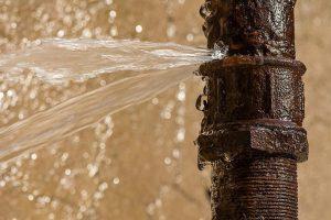 Fuites d'eau courantes et comment les réparer